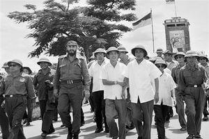 Chủ tịch Fidel diễn thuyết, nhân dân Quảng Trị sụt sùi khóc