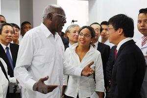 Đoàn đại biểu Cuba thăm công trình lãnh tụ Fidel tặng Việt Nam tại Quảng Bình