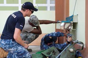 Quân nhân Hoa Kỳ tham gia hỗ trợ nhân đạo tại tỉnh Quảng Nam