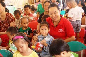Thanh Hóa: Trao tặng đồ dùng học tập tại trường mầm non Thanh Xuân