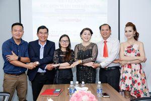 'Hành trình tìm kiếm Đại sứ Đại dương xanh' trao bảng vàng tri ân doanh nhân