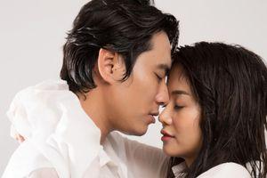 Tại sao cứ phim sắp ra rạp, cặp diễn viên chính lại 'yêu nhau'?