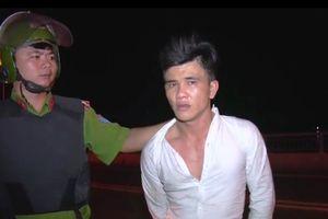 Bị truy đuổi, thanh niên xịt hơi cay vào cảnh sát 113