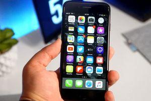 Apple giảm giá iPhone và Apple Watch tân trang