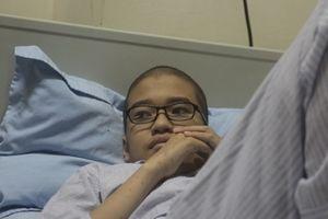 Nỗi lòng của người mẹ con ung thư máu, chồng mắc bệnh