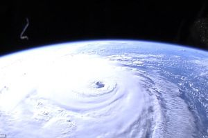 Cận cảnh bão Florence - 'con quái vật' tấn công nước Mỹ nhìn từ Trạm vũ trụ Quốc tế