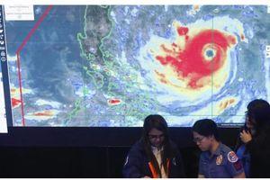 Hình ảnh mới nhất về siêu bão Mangkhut sắp đổ bộ vào Việt Nam