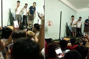 'Em gái mưa' phiên bản thất tình của sinh viên - 40 nam sinh đồng loạt hát vang khi bạn cùng phòng bị đá