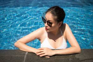 Hà Kiều Anh khoe thân hình khỏe khoắn với bikini