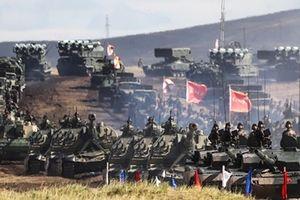 Uy lực khủng khiếp của quân đội Nga trong cuộc tập trận lớn nhất lịch sử