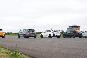 5 mẫu xe hatchback dẫn động cầu trước thể hiện tốc độ