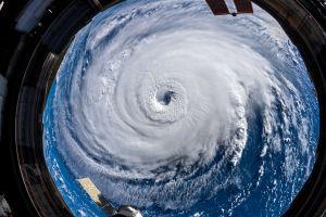 Bão Florence đổ bộ bờ Đông nước Mỹ, hàng nghìn người gấp rút sơ tán