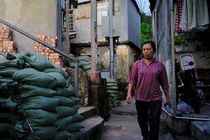 Bão Mangkhut bắt đầu đổ bộ, gây mưa lớn và gió giật ở Philippines