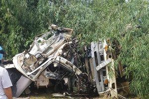 Xe bồn chạy trên 100 km/h trước khi tông ôtô khách làm 13 người chết
