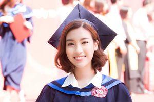 Đỗ Mỹ Linh rạng rỡ trong ngày tốt nghiệp Đại học Ngoại thương