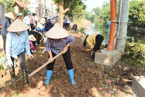 Huyện Gia Lâm phát động ra quân vệ sinh môi trường sông Cầu Bây