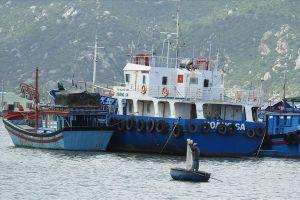 Chủ tàu vỏ thép nằm bờ gần 3 năm qua ở Ninh Thuận: Cần có phương án xử lý