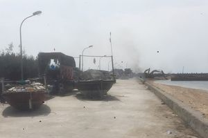 Tàu thuyền ở khu vực đảo Bạch Long Vĩ đã về đất liền tránh bão 6