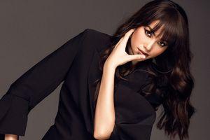 Giữa ồn ào mang thai, Phạm Hương công bố đầu quân công ty người mẫu quốc tế