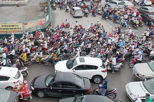 Hà Nội tăng 27.000 phương tiện/tháng: Không tắc thêm mới lạ!