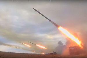 Pháo binh Nga khoe sức mạnh tại tập trận Vostok 2018