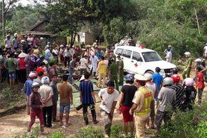 Xe bồn đâm xe khách lao xuống vực, 13 người chết