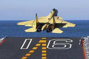 Trung Quốc thiếu máy bay cho tàu sân bay, 'muối mặt' dùng J-15 đầy lỗi