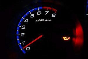 4 nguyên nhân khiến đèn báo nhớt ô tô sáng