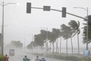 Siêu bão Mangkhut mang sức gió 255km/h bắt đầu tàn phá Philippines
