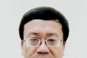 Bắt tạm giam Trưởng phòng khảo thí Sở Giáo dục Hòa Bình