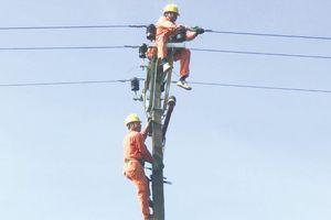Điện lực Thường Xuân đảm bảo an toàn lưới điện trong mùa mưa, bão
