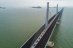 Siêu bão Mangkhut có thể đánh sập cây cầu dài nhất thế giới