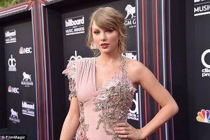 Taylor Swift bán biệt thự ở Beverly Hills để chuyển đến ở gần bạn trai