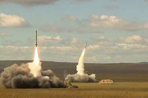 Loạt video Nga phô trương sức mạnh cùng vũ khí hiện đại tại Vostok-2018