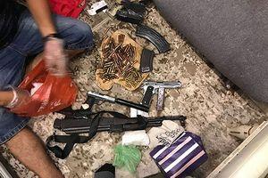 'Ông trùm' Phạm Bá Sơn bị áp sát, không kịp động thủ với khẩu súng đã lên đạn ở đầu giường
