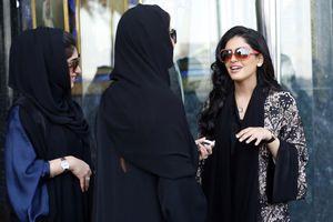 Trang sức 'khủng' của công chúa Ả Rập 'bốc hơi'