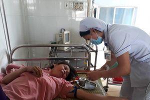 Quảng Trị: Hàng chục người nhập viện sau khi dự tiệc cưới ở nhà hàng