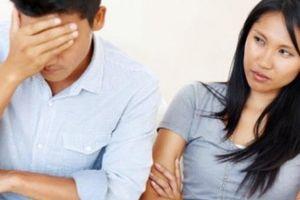 Rút hết tiền tiết kiệm bao gái, mặc kệ vợ con túng thiếu, người chồng nhận quả đắng