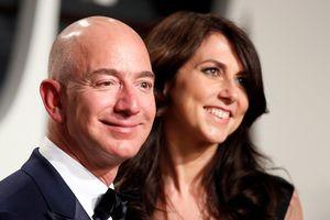 Ông chủ Amazon mang 'giấc mơ vui' tới cho người nghèo