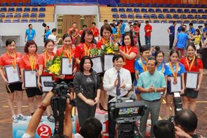 Giải bóng bàn Cúp Hội Nhà báo: Báo GD&TĐ giành Huy chương Đồng đồng đội nữ