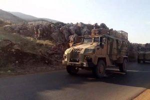 Đoàn xe quân sự hùng hậu của Thổ Nhĩ Kỳ hướng về tây bắc Syria
