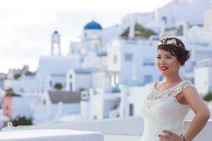 Cô dâu gốc Việt tự cưới mình