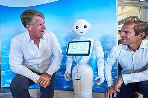 Robot đầu tiên được vào làm trong ngành du lịch