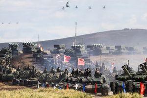 Thế giới 24/7: Nga-Trung phô diễn hỏa lực; Triều Tiên duyệt binh không tên lửa hạt nhân:
