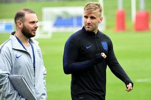 Chuyển động MU: Nụ cười của HLV Mourinho, Luke Shaw trở lại