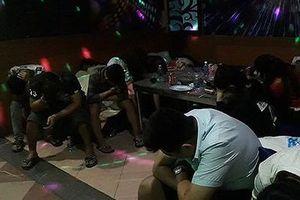 Phát hiện nhóm thanh niên sử dụng ma túy 'đá' tại quán karaoke Zone 9