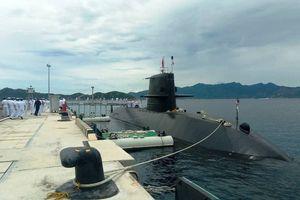 Tàu ngầm Nhật Bản thăm cảng Cam Ranh