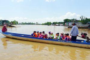 Hơn 2.000 học sinh bị ảnh hưởng do lũ trên sông Cửu Long
