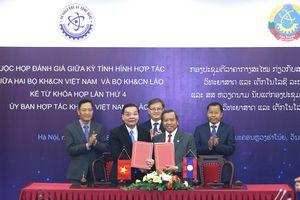 Việt Nam và Lào hợp tác chặt chẽ về KH&CN