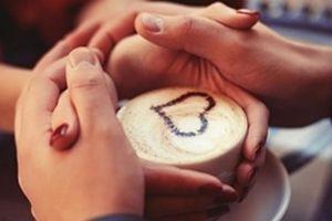 Chàng trai 'cưa đổ' bạn gái nhờ cốc cà phê muối